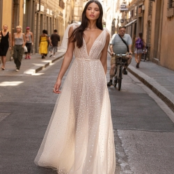 Perché Berta ? I❤️ Berta ,  Abito della moderna e fashion collezione muse by Berta  Exclusive Models for Sicily Why Berta ? I ❤️ Berta  In esclusiva per tutta la Sicilia le collezioni #Berta , #musebyberta #bertaprivee  Gli abiti della prima linea. www.boninimarsala.it info@boninimarsala.it  Exclusive Models  #Berta #Sposa #lookoftheday #collection  I love Berta, i love Sicily , i love New York da #boninimarsala #white  #musebyberta #sposa #exclusive #abitodasposa #solodabonini #beautiful #celebration #bride #ceremony  #bridal #congratulations  #happiness  #love #marriage #party  #wedding @musebyberta #weddingday #weddingplanner #bertabridal #berta #bridal #white #style  Per sfogliare il catalogo #sposa2021 visitate il nostro sito: boninimarsala.it  boninimarsala.it https://youtu.be/k8TISRHgCGE